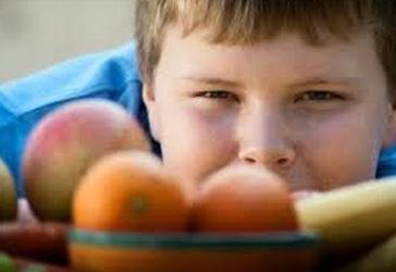 Obesità infantile: e se la causa fossero i genitori?