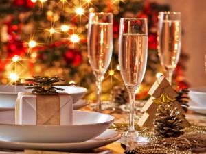 Cenoni e abbuffate delle feste: i consigli del CMSO