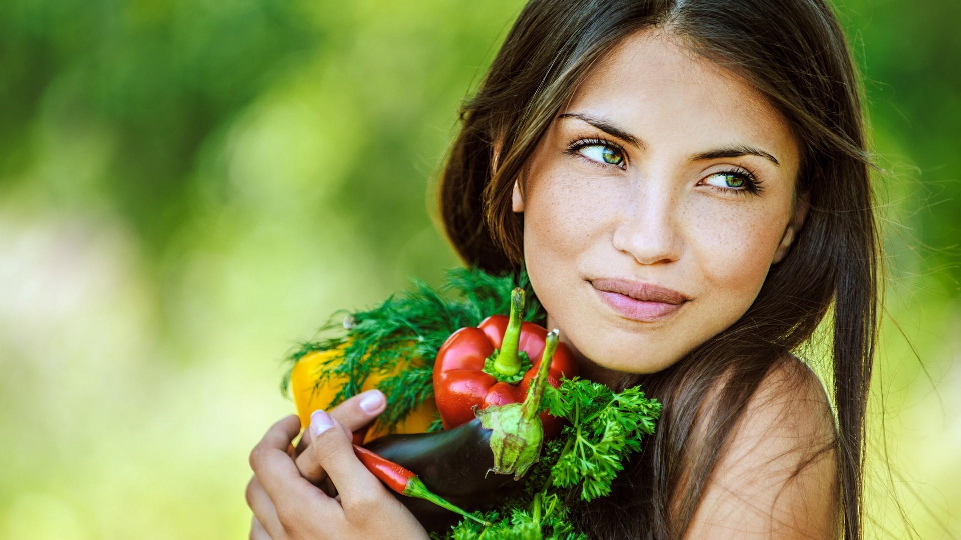 Vegani e vegetariani: come modificare l'alimentazione in tutta Salute