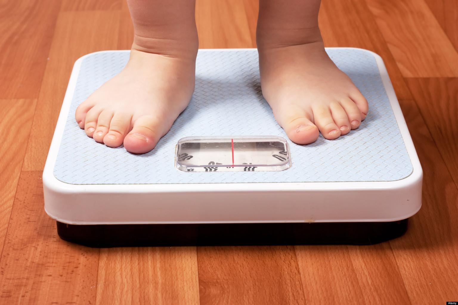 Obesità infantile: come educare i bambini ad una corretta alimentazione