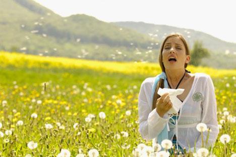 Allergie di primavera: come curarla, i consigli dello Pneumologo